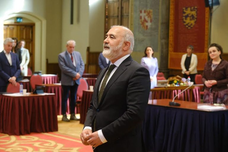 Karakus geïnstalleerd als Eerste Kamerlid